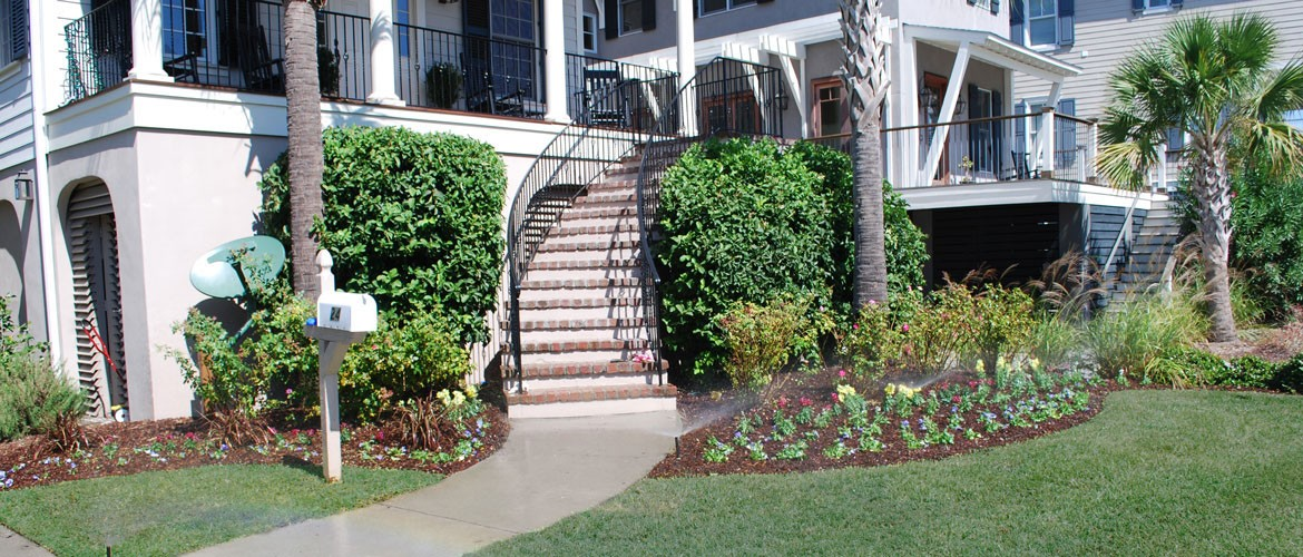 Landscaping charleston sc by charleston plantworks for Local landscape designers